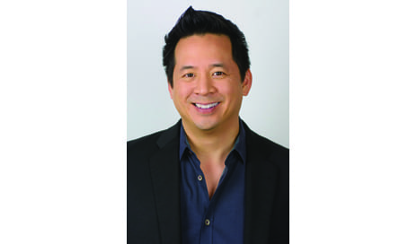 Up and At 'Em: Thomas Su, MD, Prefers His Lipsocution Patients to Be Wide Awake