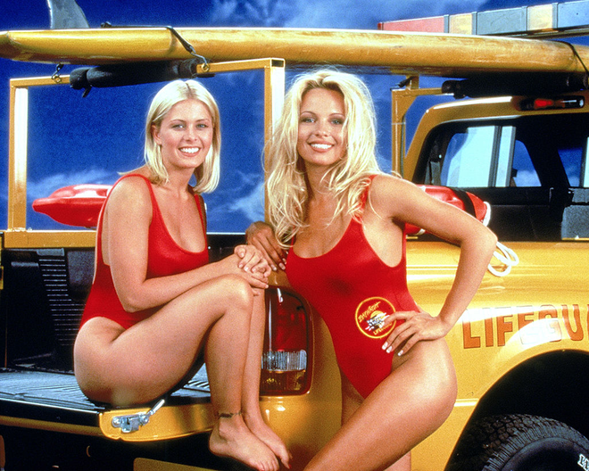 "You Won't Believe Why This ""Baywatch"" Star Had Her Breasts Enhanced, and Then Reduced"