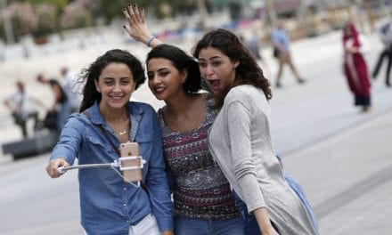 Selfie Frenzy Increases Plastic Surgery Demand