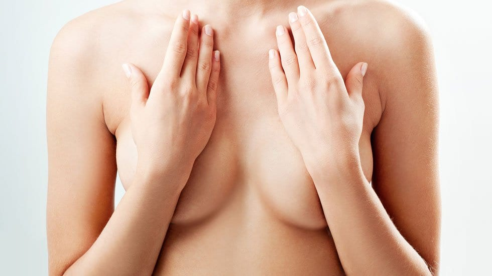 Colombia Sets Minimum Age for Breast Implants At 14