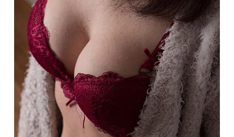 Breast Implants Can Impede With ECG Test, Give False Heart Attack Diagnosis