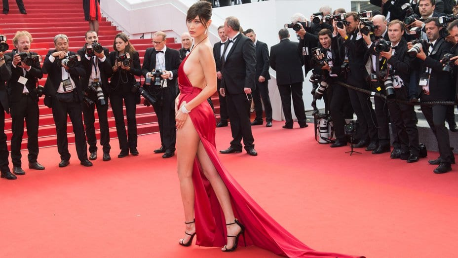 """Everything You Need to Know About """"Thighlighting,"""" Hollywood's Newest Plastic Surgery Trend"""