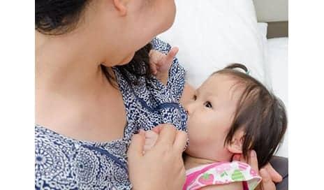 Prolonged Breast-Feeding May Guard Against Teen Eczema