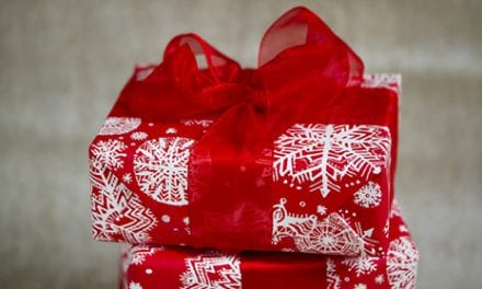 Dos and Don'ts When Gifting Plastic Surgery This Holiday Season