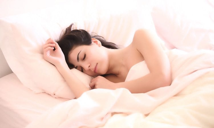 5 Ways to Look Younger While You Sleep