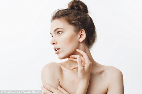 The Four Simple Steps to Prevent Saggy Jowls Without Going Under the Knife