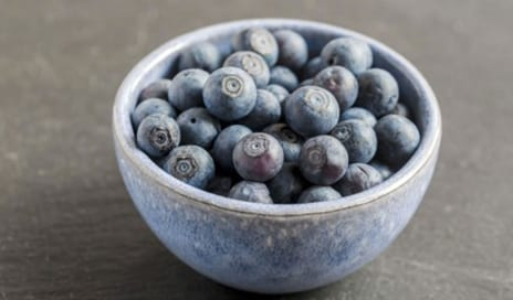 5 Anti-Ageing Snacks for People On the Go