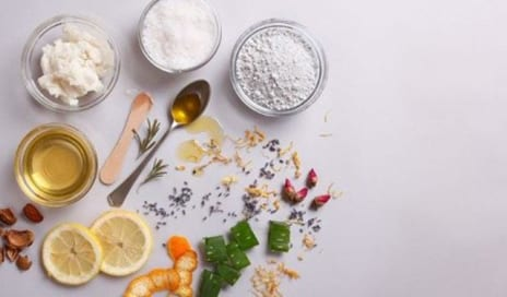 How to Make Your Own Anti-Aging Moisturiser Using 4 Ingredients