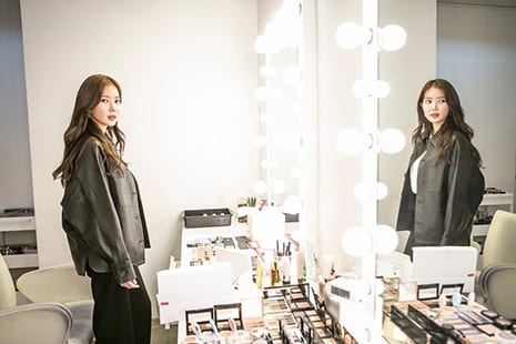 South Korea Loves Plastic Surgery and Makeup. Some Women Want to Change That.