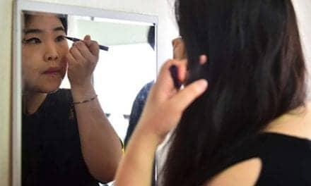 South Korean Women Destroying Makeup In Protest Against Stringent Beauty Standards