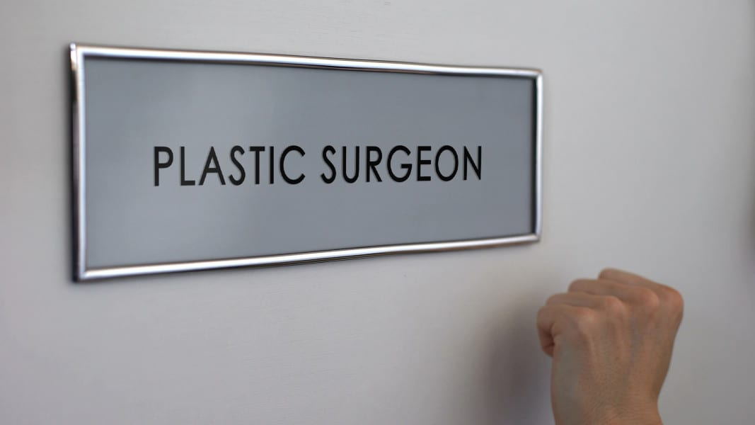 4 Questions to Think About if You're Considering Plastic Surgery