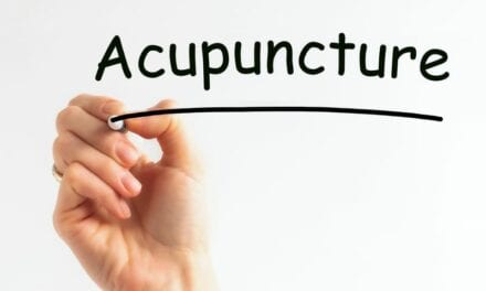 Cosmetic Acupuncture is the Natural Alternative to Botox That Works On Acne, Too
