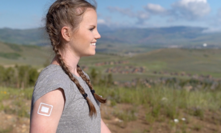 New DrySee Patented Waterproof Bandage Features Wetness Indicator